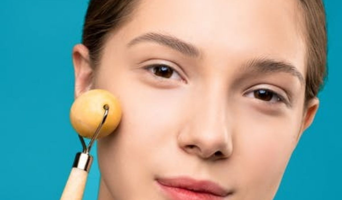 Facial Massage: Amazing Products To Get Healthy Skin